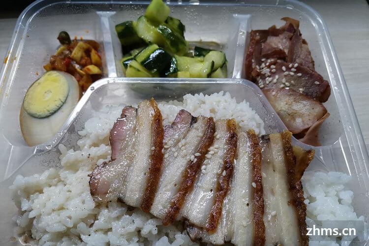 请问大家中式快餐加盟费多少?会有人喜欢吃吗?