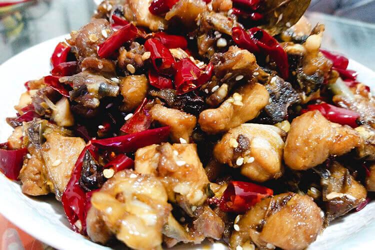 来重庆旅游了,请问一下歌乐山辣子鸡哪家正宗呢?
