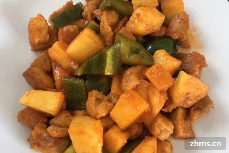 鸡肉炖土豆怎么做?荤素搭配营养美味,好吃不油腻!