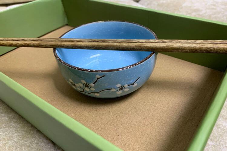 家里面有很多的筷子,筷子为什么会长毛呢?