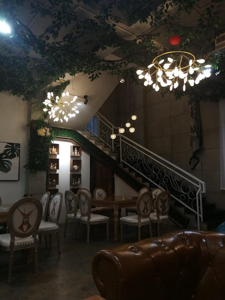 逸景灣音樂中餐廳,一邊吃飯一邊唱歌,嘴巴根本閑不下來