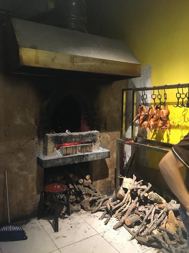 今天也要给自己打气鸭——打气鸭北京烤鸭,现烤现片,保证口感!