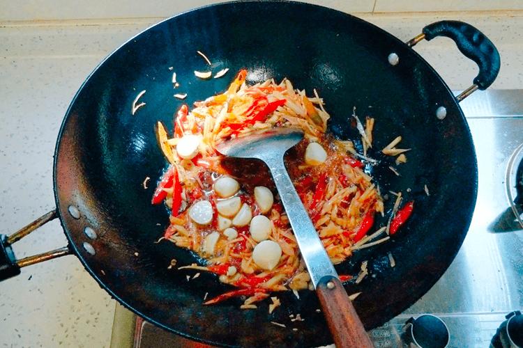 鸭肉怎么做好吃,香喷喷的的青椒爆炒鸭!第十二步