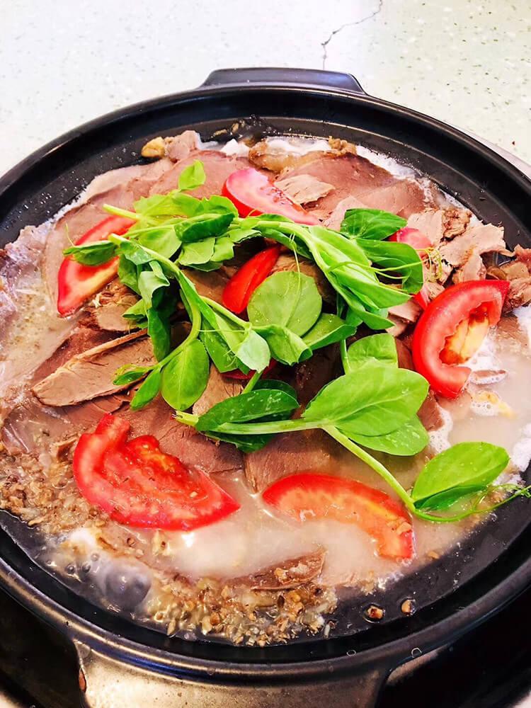 石鍋牦牛肉,3個人98塊錢,吃都吃不完!