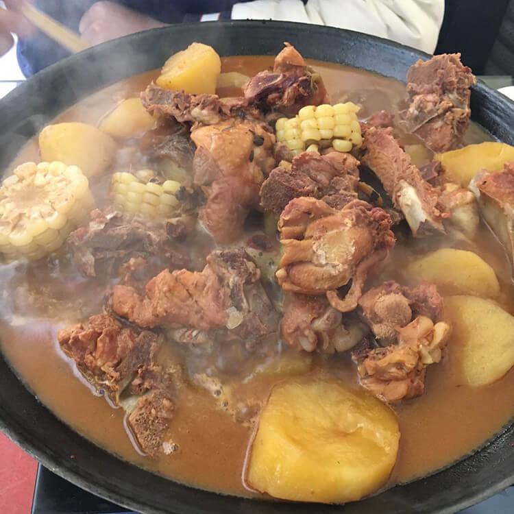 罗仙子特色铁锅炖,小仙女和小仙男都扎堆来吃