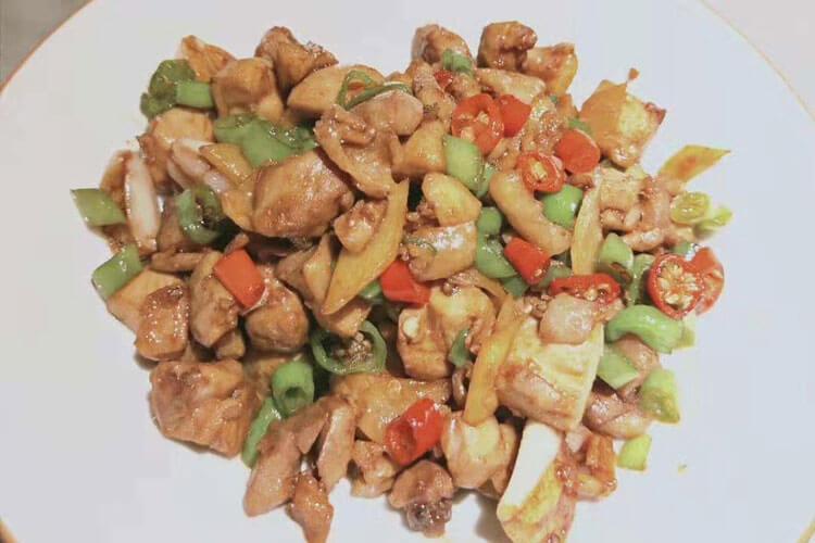 重庆歌乐山辣子鸡的制作方法简单吗,要怎么做才好吃呢?