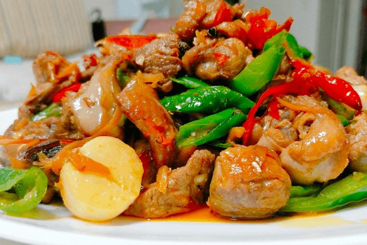 鸭肉怎么做好吃,香喷喷的的青椒爆炒鸭!第十八步