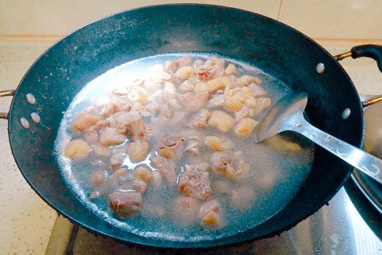 鸭肉怎么做好吃,香喷喷的的青椒爆炒鸭!第八步
