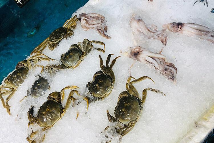 今天买的螃蟹,打开之后发现螃蟹的黄为什么是黑的?