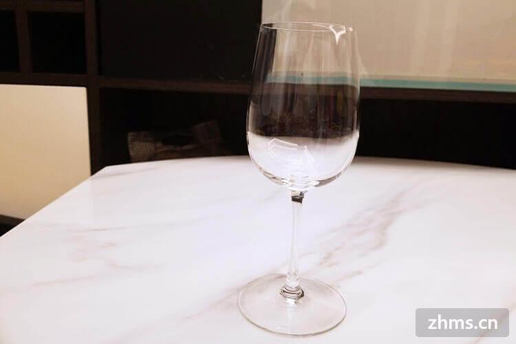 红酒杯叫什么?怎样挑选合适的红酒杯?