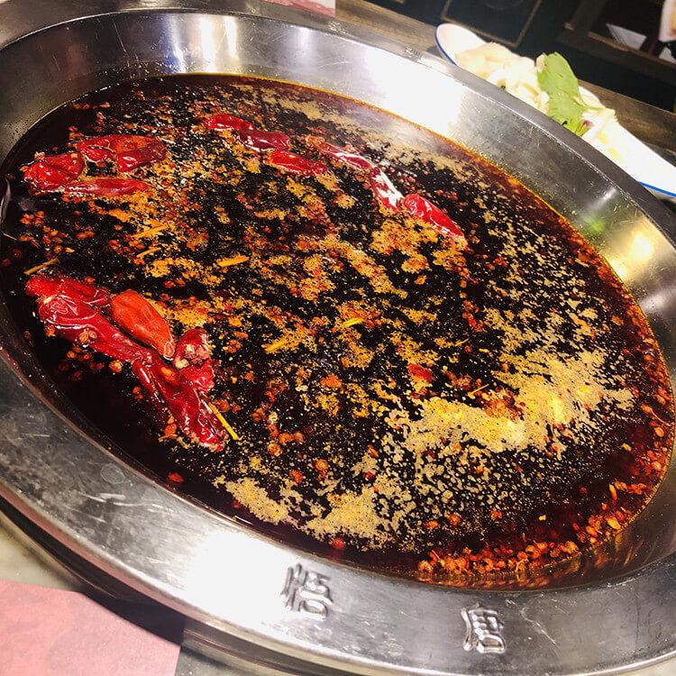 把西游记元素用到了极致的一家火锅店,牛魔王猪八戒孙悟空齐齐上阵帮你守菜