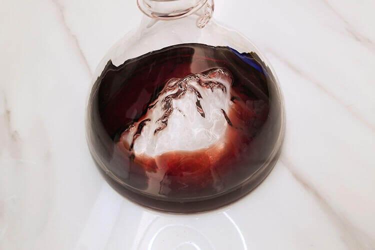 准备买点红酒送人,怎么挑选红酒呢?