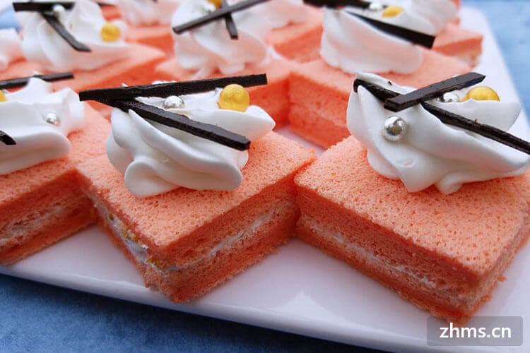 微波炉烤蛋糕的方法很简单,也就这六个步骤