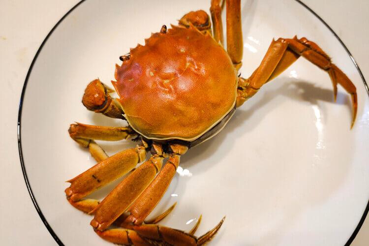 一般都吃清蒸螃蟹,请问吃螃蟹可以配哪些蔬菜?