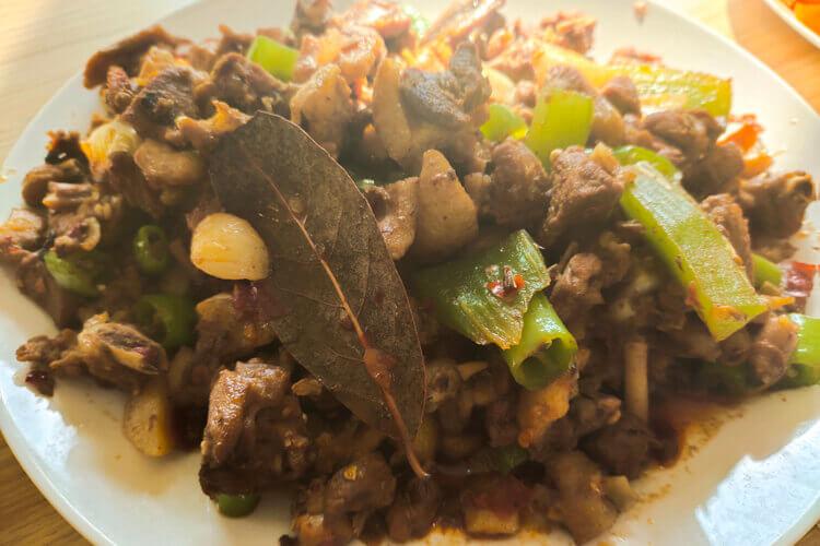 鸭肉清炖怎么做好吃,需要放上一些生姜吗?
