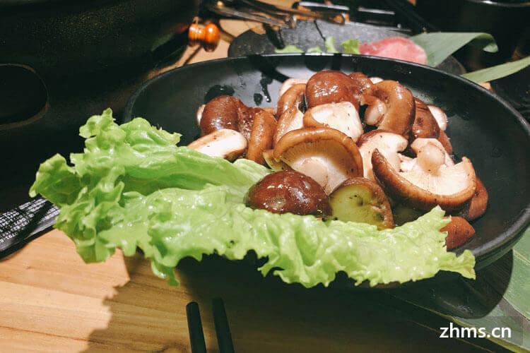 我很喜欢吃炒青菜香菇,请问炒青菜香菇怎么切?