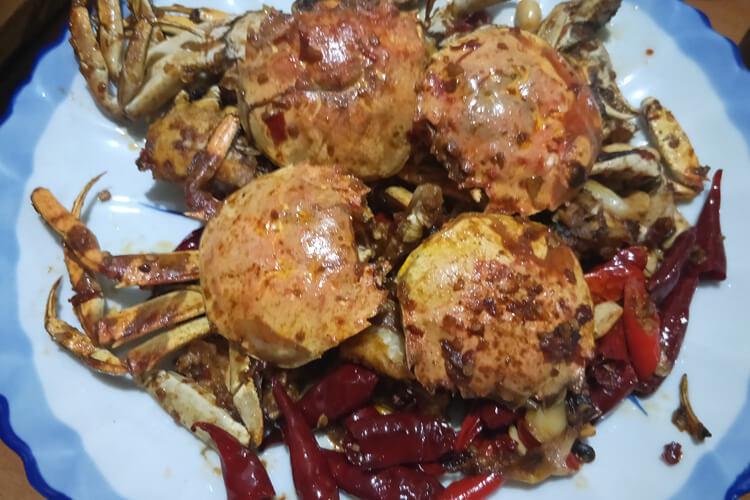 秋季到了,大闸蟹丰收的季节,新鲜的阳澄湖大闸蟹怎么吃最好吃?