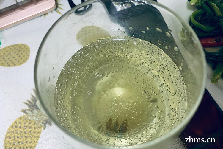 绿提子酒可以用冰糖吗