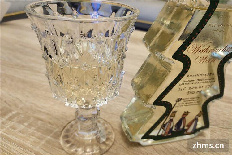 白葡萄酒用什么杯子