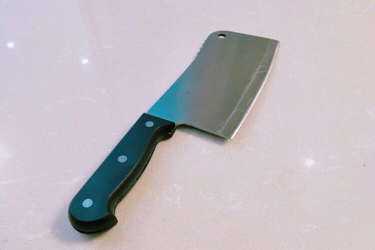菜刀是家庭必备单品,菜刀是用5铬钢好还是9铬钢更好?