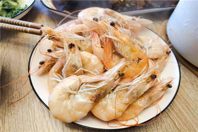 女儿想吃虾面了,如何煮虾面好吃又简单又好吃?