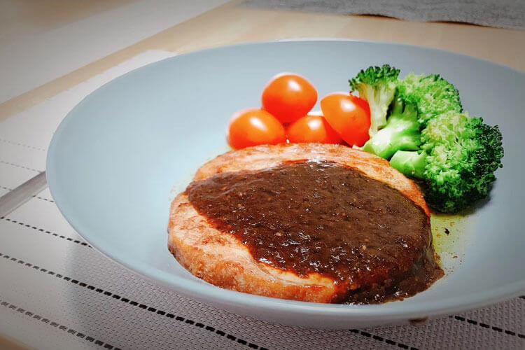 喜欢吃牛肉,牛排肉怎么腌制才鲜嫩?