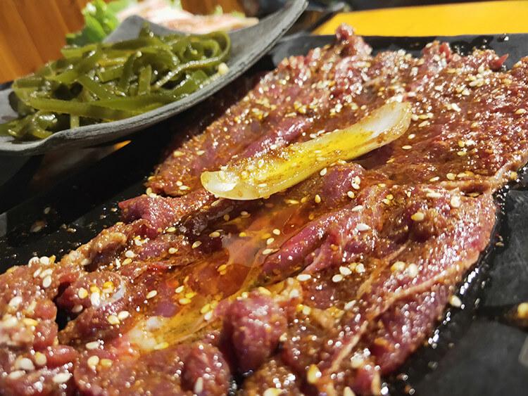 平均每人45元的烤肉也能吃肉吃到夠!
