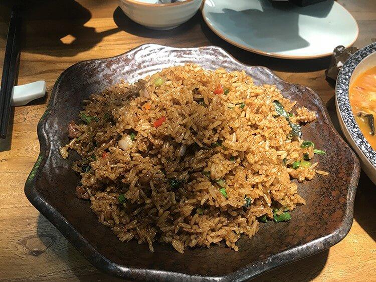 能吃到别样的东南亚风味牛蛙的店,牛蛙酸甜可口百吃不腻!