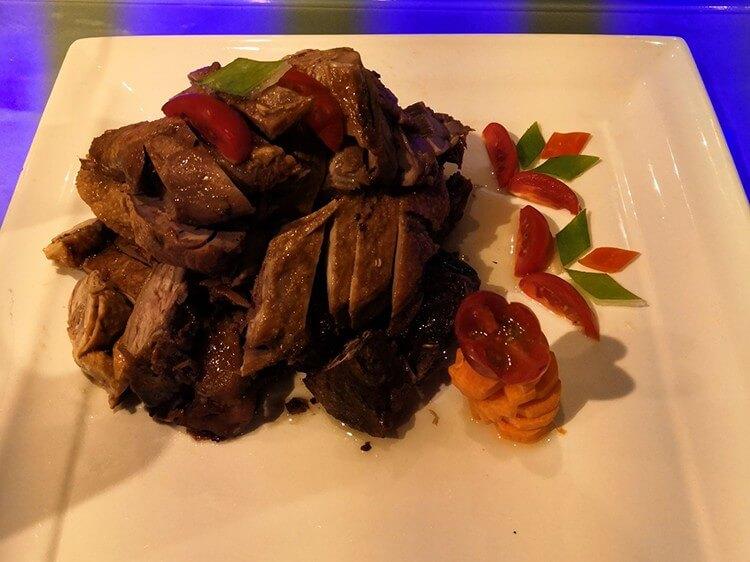 无限畅吃的牛排自助,各类西式烤肉中式烧烤应有尽有
