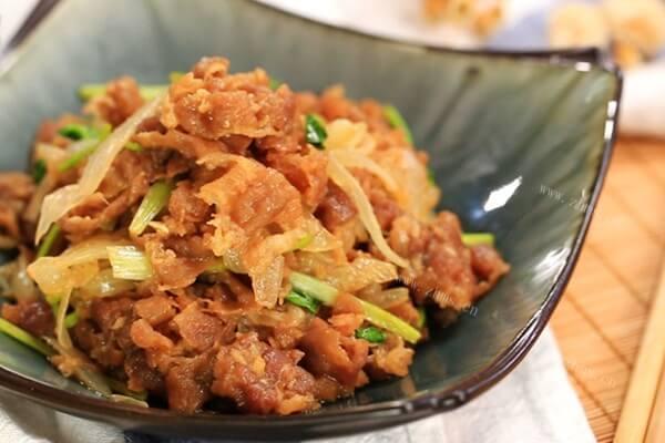 超级嫩的肥牛的做法,搭配洋葱更下饭