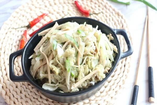 特色菜的做法——东北凉拌酸菜
