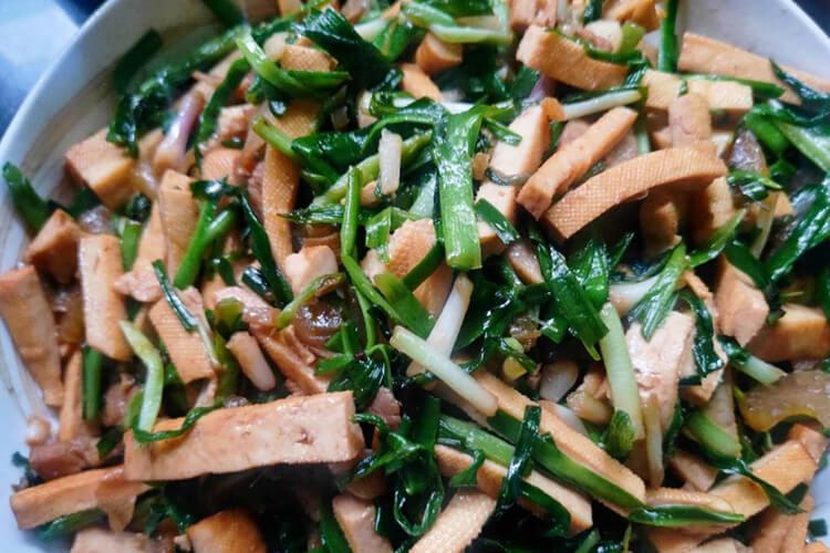 比炒肉还好吃的韭菜炒素豆干要这样做