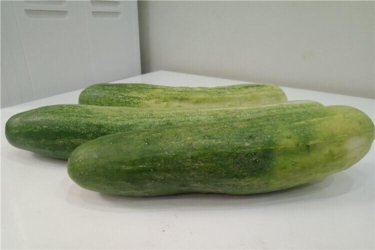 黄瓜去皮后果实就一点,这是怎么回事呢?