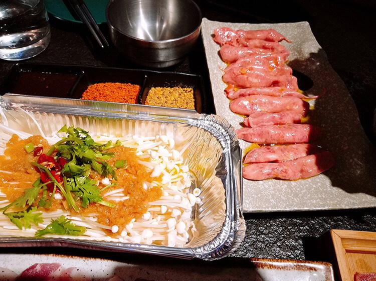 非常地道的韩式烤肉,吃烤肉的时候记得来份冷面去油腻