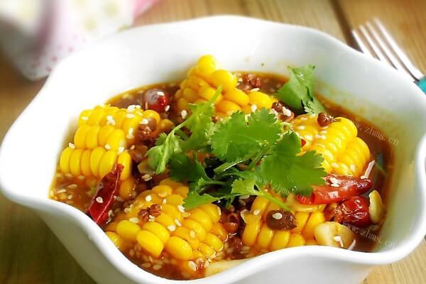 不一样的煮玉米做法了解一下,打开美食新世界
