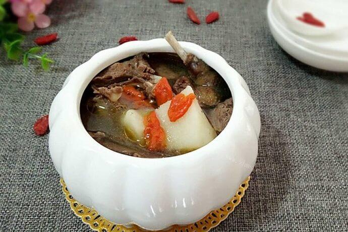 最适合进补的山药乳鸽汤,还是养颜佳品