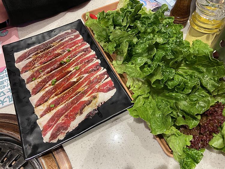 68元一个拼盘能吃6种肉,这家店我吃定了!