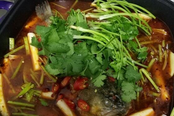香辣鱼火锅的做法