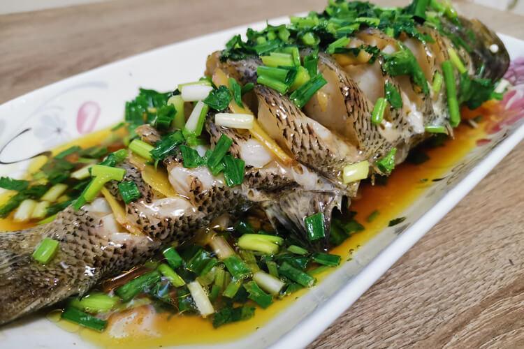 什么时候鲈鱼好吃?鲈鱼怎么做好吃?