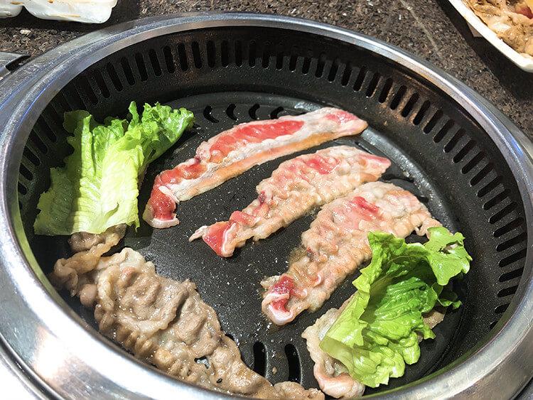 敞开肚皮吃肉也吃不过100元的烤肉店,大胃王来了老板也不怕!