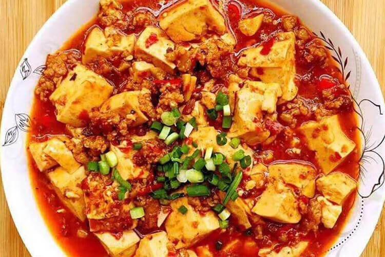 因为我非常喜欢吃菠菜豆腐,想问可以谈谈菠菜豆腐汤的营养价值吗