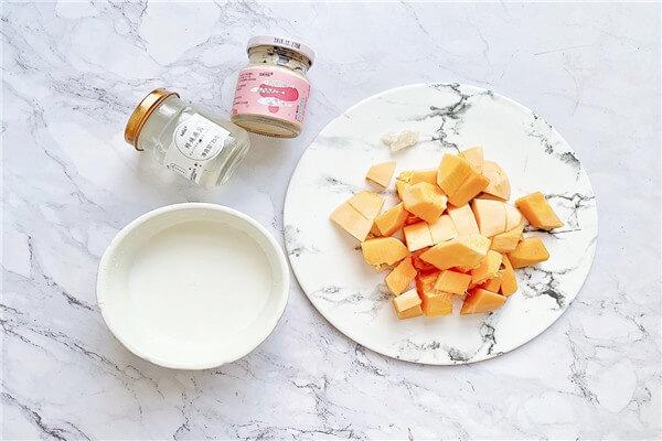 牛奶木瓜汤超级美味,美容养颜哦