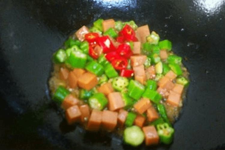 好吃的火腿炒秋葵怎么做