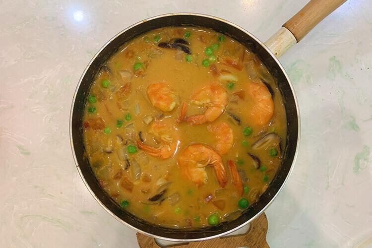 想自己做一份好吃的饭菜,请问日本咖喱用什么肉可以做呢?