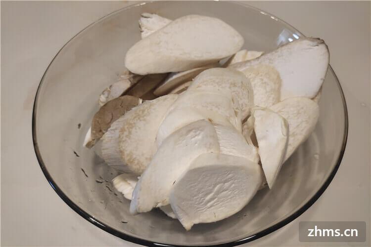 蘑菇和什么素炒好吃