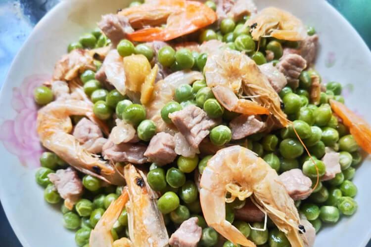 烤虾烧豌豆,鲜美下饭谁吃谁爱