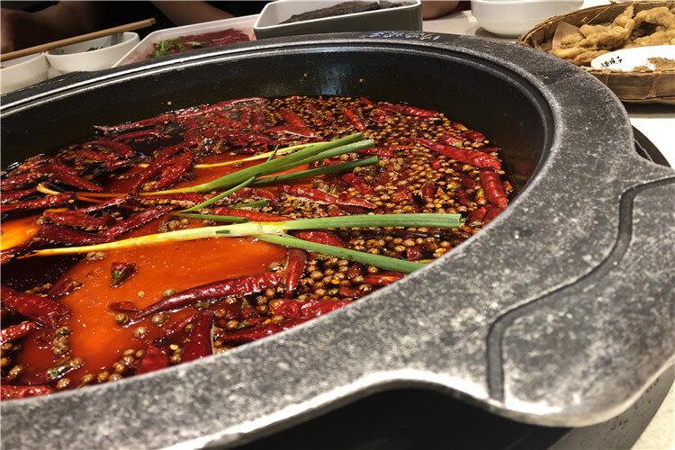在家想吃包头九宫格火锅,有什么配菜是必须的吗?