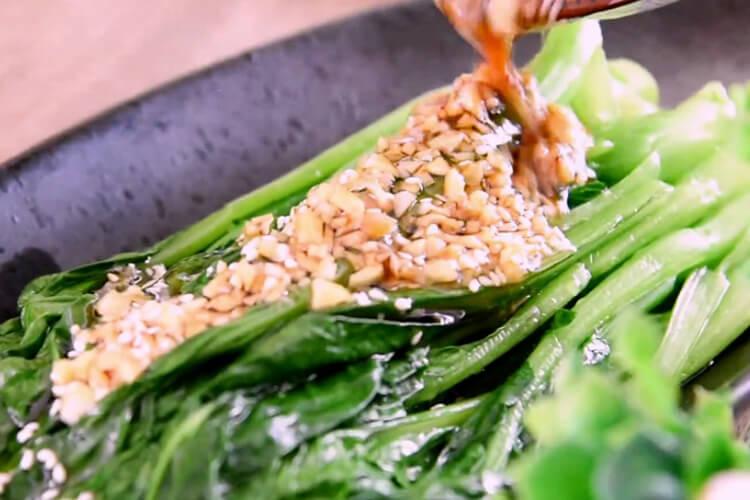 白灼菜心的家常做法,不會做飯也能一展身手