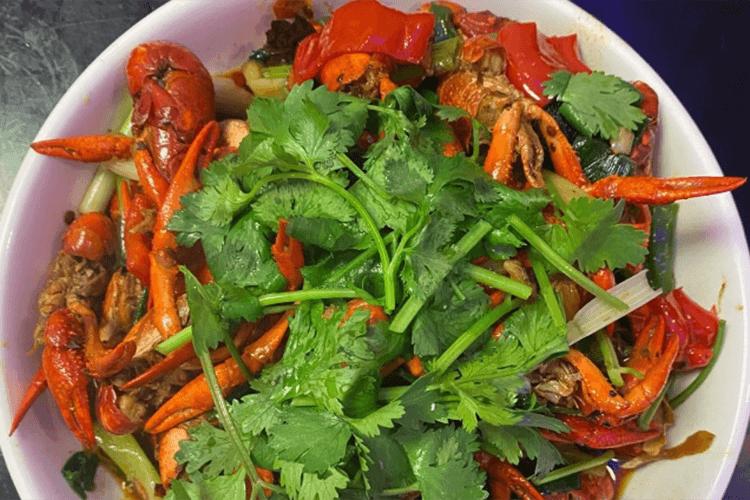 在家就能做的超好吃香辣小龙虾,夏日宵夜档必备