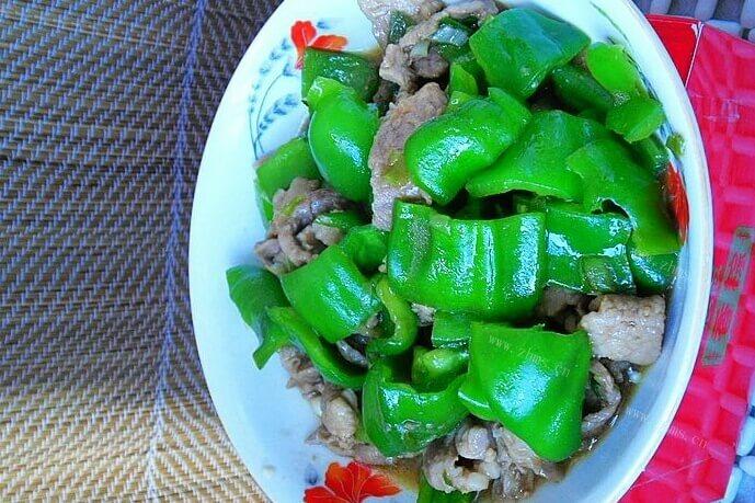 柿子椒怎么做好吃?试试炒肉,简单又美味